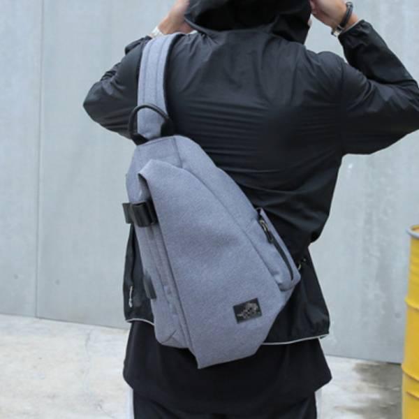 【M.K斜背包】男士運動斜挎包/單肩包/旅行背包