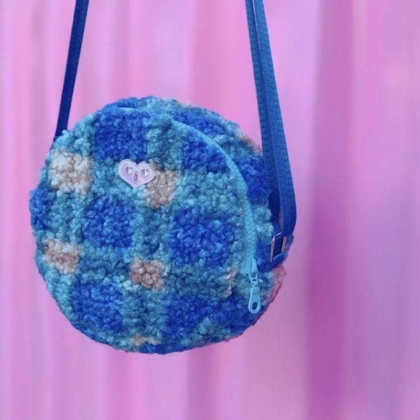 JCC藍色格紋羔羊毛圓餅包 毛毛包