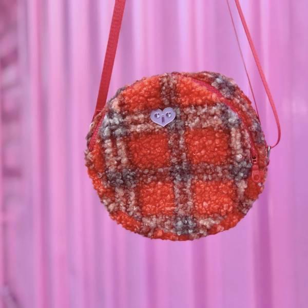 JCC紅色格紋羔羊毛圓餅包 毛毛包