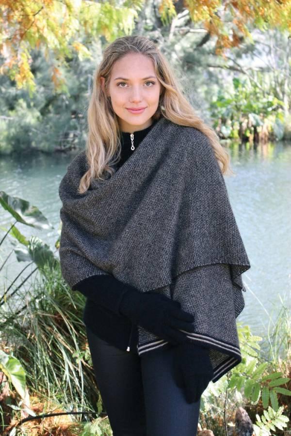 紐西蘭貂毛羊毛披肩保暖大圍巾_黑X奶茶