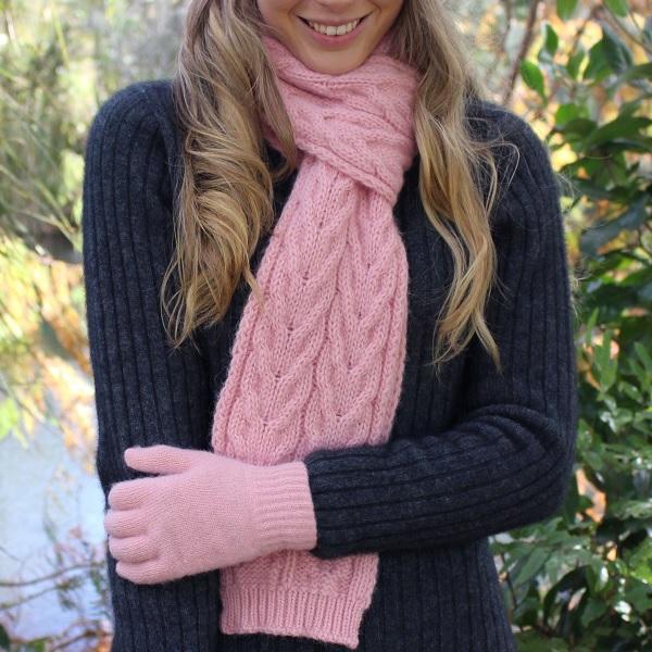 嫩粉紅100%紐西蘭駝羊毛保暖圍巾麻花粗針織 圍巾,保暖,保暖圍巾,羊毛圍巾