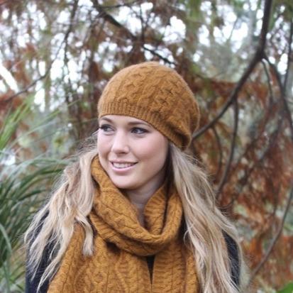 【金色】編織紐西蘭貂毛羊毛帽保暖帽 _垂墜感slouch風格-麻花手織感 毛帽,保暖,美麗諾羊毛,保暖帽,羊毛帽