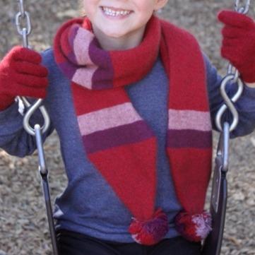 兒童紅粉紫配色毛球雙層紐西蘭貂毛羊毛圍巾 12公分寬兒童保暖圍巾羊毛圍巾 圍巾,保暖圍巾,羊毛圍巾,兒童圍巾