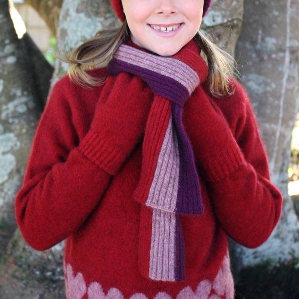 兒童多彩直條紋【粉紅】紐西蘭貂毛羊毛圍巾 9.5公分寬兒童保暖圍巾羊毛圍巾 圍巾,保暖圍巾,羊毛圍巾,兒童圍巾