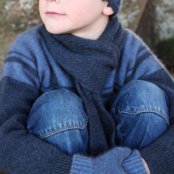 丹寧藍色單層窄版12公分紐西蘭貂毛羊毛圍巾