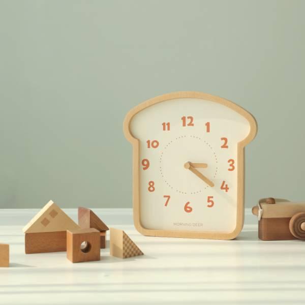 治愈系 超萌吐司實木無聲靜音時鐘 熱銷商品   兒童房時鐘  學習時鐘 時鐘 靜音時鐘 兒童時鐘