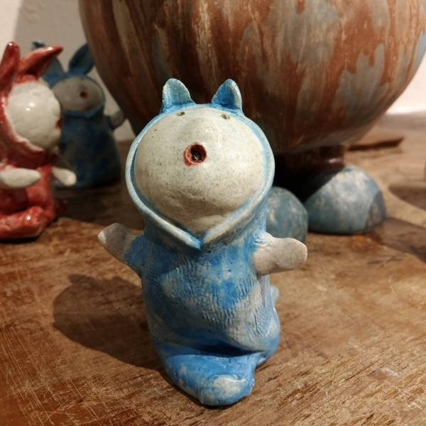 吳仲宗|給我抱抱系列-手捏陶偶 E 陶瓷;陶偶;擺飾;手繪;三芝藝術家