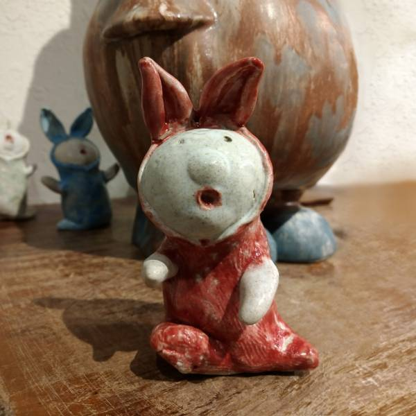 吳仲宗 給我抱抱系列-手捏陶偶 C 陶瓷;陶偶;擺飾;手繪;三芝藝術家