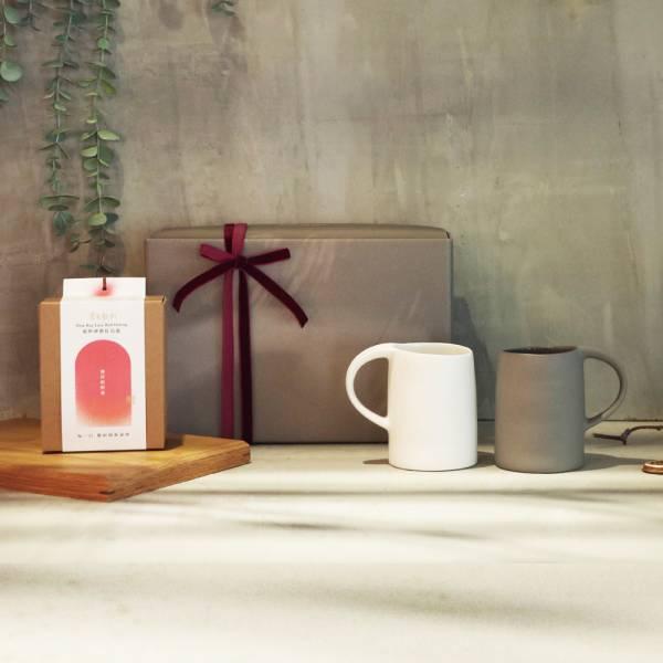3,co 水波馬克杯(2件式)-(白+灰) - 掌生穀粒 茶包禮盒組 禮盒,馬克杯,水杯,茶杯,茶具,水波,餐具,食器,米其林,當代,國際,台灣之光,台灣,原創,設計,簡約,生活美學,空間,瓷器,東方意象,驚豔,精品,禮物,禮品,送禮