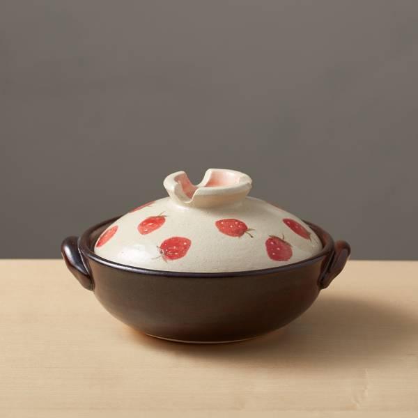 日本萬古燒-手繪土鍋6號-草莓樂園(0.8L) 日本,原裝進口,陶鍋,土鍋,主婦必備,直火,遠紅外線,保留原味,多用,蓄熱,節能