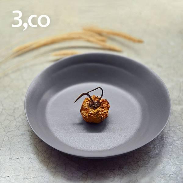【3,co】水波系列點心盤 - 灰 盤,水波,餐具,食器,米其林,當代,國際,台灣之光,台灣,原創,設計,簡約,生活美學,空間,瓷器,東方意象,驚豔,精品,禮物,禮品,送禮