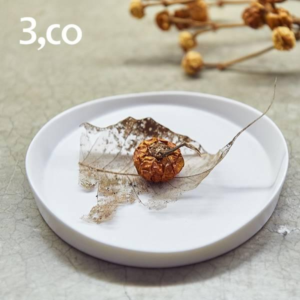 【3,co】水波系列圓形托盤(1號) - 白 盤,水波,餐具,食器,米其林,當代,國際,台灣之光,台灣,原創,設計,簡約,生活美學,空間,瓷器,東方意象,驚豔,精品,禮物,禮品,送禮