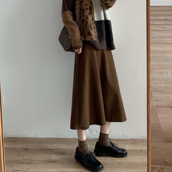 冷,清風雨 。斜槓優雅針織傘狀裙【944BI】