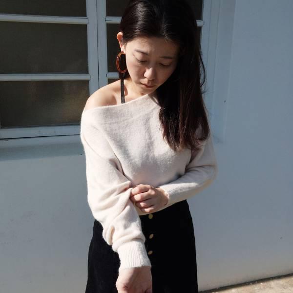 初春,微涼感 。氣質一字領毛海針織毛衣【005SE】