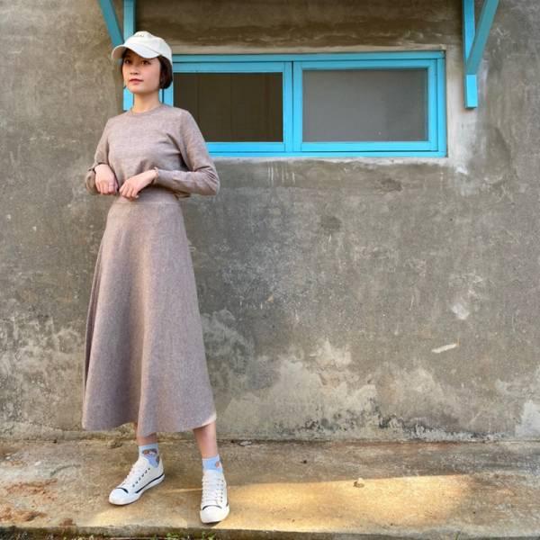 初春,微涼感 。極簡約氣質針織套裝(衣+裙)【005SG】