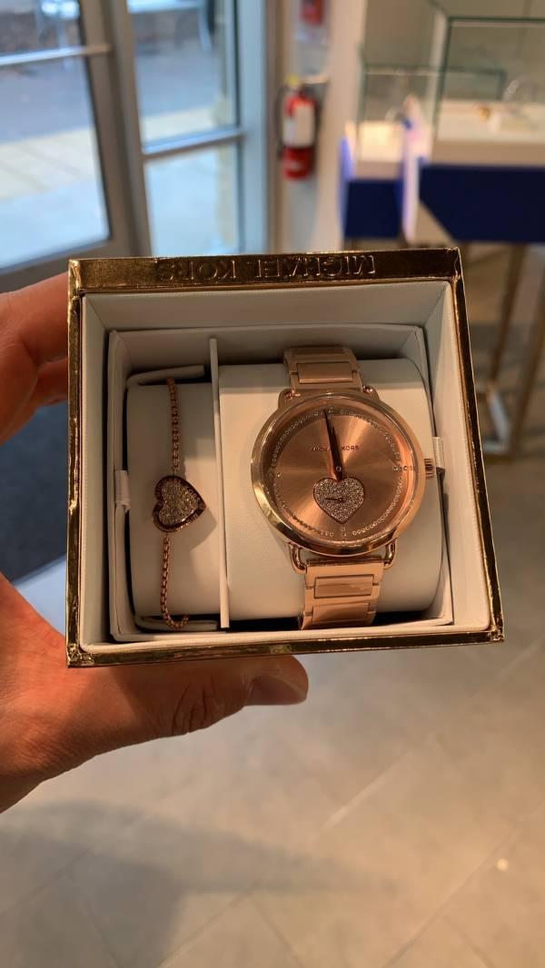 MK 施華洛世奇鑽錶+手鍊組合