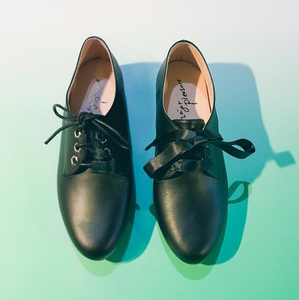 牛奶糖膠底!澎澎足感兩種綁帶鞋 全真皮 MIT -黑 MIT,真皮,小白鞋,休閒鞋,出國好穿鞋
