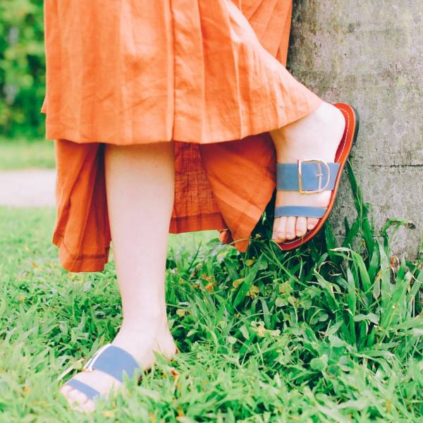 蜜蠟光澤!越穿越亮植鞣皮革涼拖鞋 全真皮 MIT -灰藍 MIT,真皮,度假,拖鞋,涼鞋