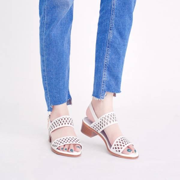 研究室的選品・彈力前掌墊!結晶角蕾絲沖孔涼鞋 白 全真皮 【Major Pleasure】-白色 涼鞋,真皮鞋,好穿鞋