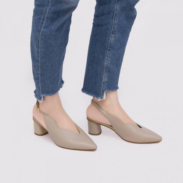 不分腳型!莉莉花瓣顯瘦中跟鞋 粉膚 全真皮 MIT 【Major Pleasure】-月石粉 MIT,真皮鞋,中跟鞋,好穿鞋,涼鞋