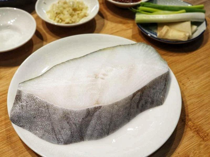 格陵蘭無肚洞厚切鱈魚(比目魚)片   250g/片
