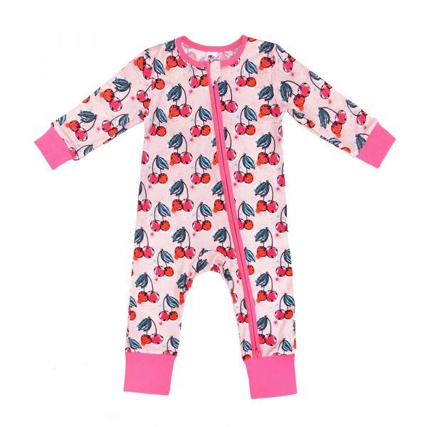 有機竹纖維雙拉鍊連身衣-粉紅櫻桃 加拿大有機棉和竹纖維第一童裝品牌,通過國際最高標準有機認證「GOTS」和「OCIA」。100%透氣無毒,對於受濕疹、異位性(過敏性)皮膚炎、呼吸道問題、換季不適等困擾的嬰幼兒最安心。