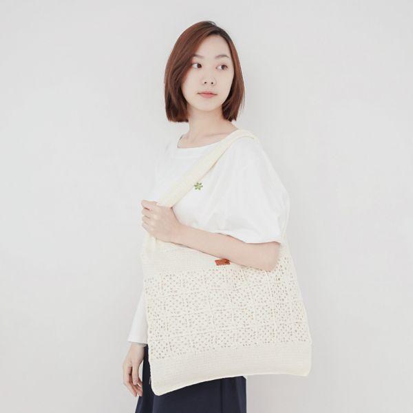 手作針織編織肩背托特包-共2色 手工布料,台灣設計,台灣製造,花布設計,質感袋包,文創設計,刺蝟,提袋,包包,居家良品,提袋,手提包,方包,肩背包,側背包