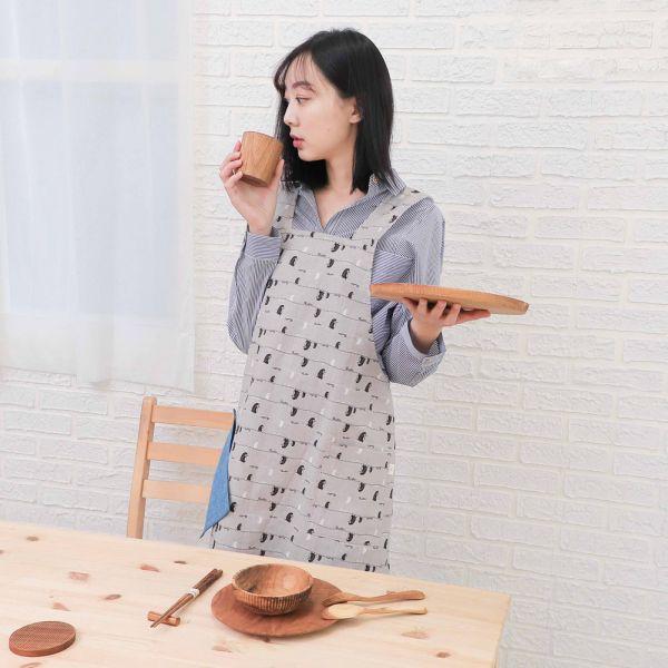 漫步一線間棉麻全身工作圍裙+小提袋(月球灰) 手工布料,台灣設計,台灣製造,花布設計,質感袋包,文創設計,刺蝟,提袋,包包,居家良品,提袋,手提包,方包,肩背包,側背包