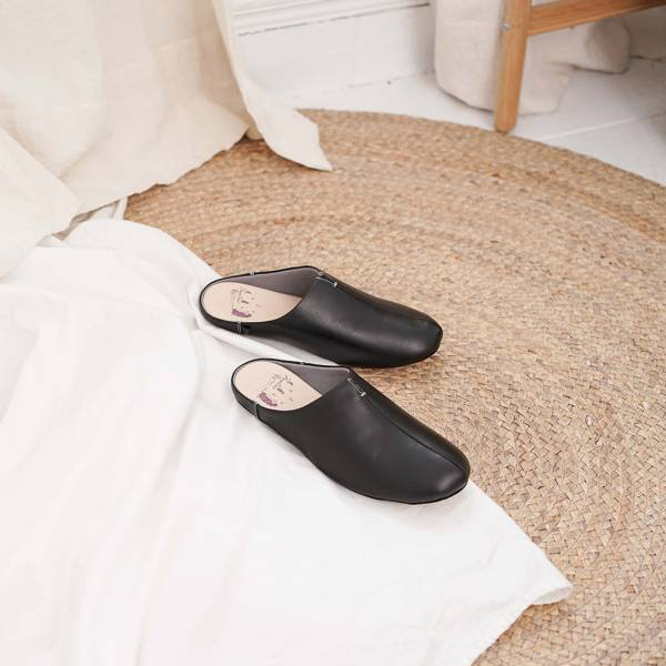 (包腳款)真皮防滑家居拖鞋/室內拖鞋-芝麻黑 女鞋,室內拖,台灣設計,台灣製造,拖鞋,布花,居家良品,防滑,刺蝟,牛皮,真皮
