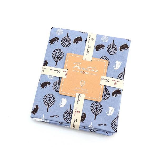 100%純棉布料(叢林躲貓貓)-天空藍  布,台灣設計,台灣製造,手工藝,布料,文創設計,刺蝟,手作,居家良品,棉麻,布料,服裝輔料,diy,手工製作,手工材料