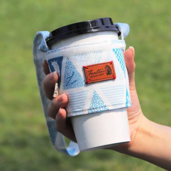 雙層隔熱環保飲料杯套/飲料提袋(三角密室)-淺海藍 飲料杯套,環保杯套,手提杯套,杯套,環保飲料提袋,飲料袋,飲料提袋,婚禮小物,禮物,外帶,環保,防水布,杯套,飲料,提袋,杯套提袋,環保杯袋,環保杯,飲料杯