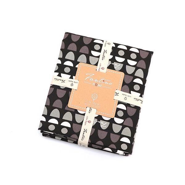 100%純棉布料(水玉迷宮)-黑水玉  布,台灣設計,台灣製造,手工藝,布料,文創設計,刺蝟,手作,居家良品,棉麻,布料,服裝輔料,diy,手工製作,手工材料