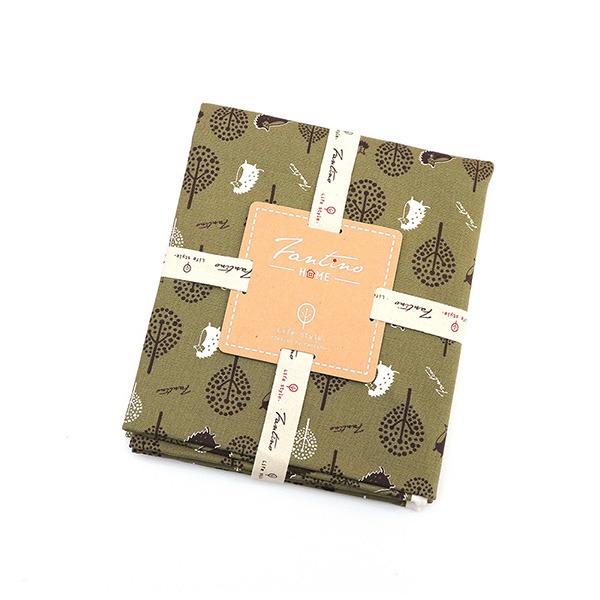 100%純棉布料(叢林躲貓貓)-抹茶綠  布,台灣設計,台灣製造,手工藝,布料,文創設計,刺蝟,手作,居家良品,棉麻,布料,服裝輔料,diy,手工製作,手工材料