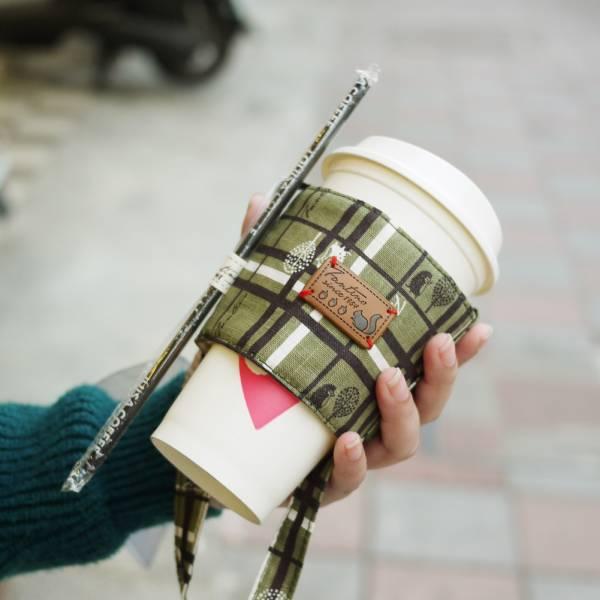 雙層隔熱環保飲料杯套/飲料提袋(格紋街區)-抹茶綠 飲料杯套,環保杯套,手提杯套,杯套,環保飲料提袋,飲料袋,飲料提袋,婚禮小物,禮物,外帶,環保,防水布,杯套,飲料,提袋,杯套提袋,環保杯袋,環保杯,飲料杯