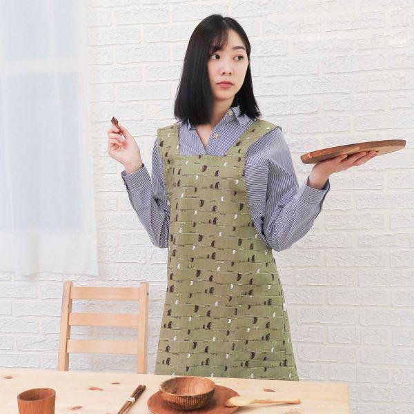 漫步一線間棉麻全身工作圍裙+小提袋(抹茶綠) 手工布料,台灣設計,台灣製造,花布設計,質感袋包,文創設計,刺蝟,提袋,包包,居家良品,提袋,手提包,方包,肩背包,側背包