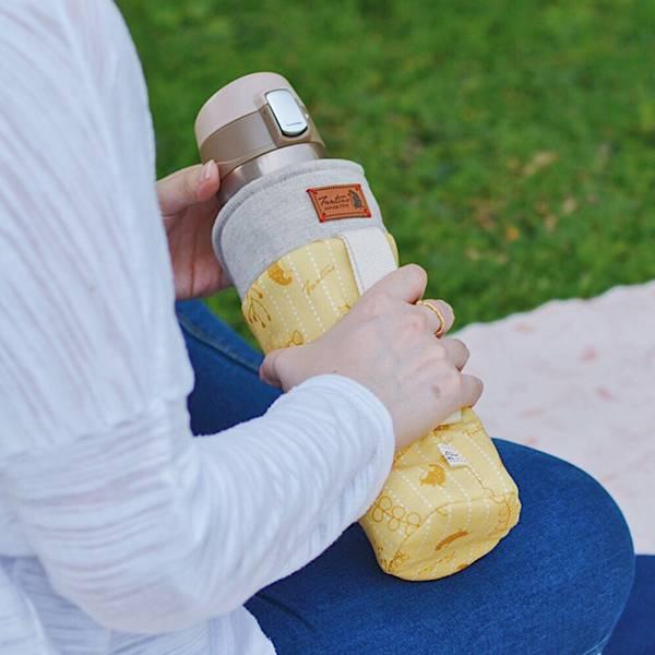 保溫防撞水壺袋/水瓶提袋(漂浮森林)-起司黃 保溫袋,水壺袋,水壺提袋,保冰溫,手攜式,防撞,防摔,保溫瓶,玻璃瓶,水壺,學生,保溫杯套,隔熱保護,水杯套