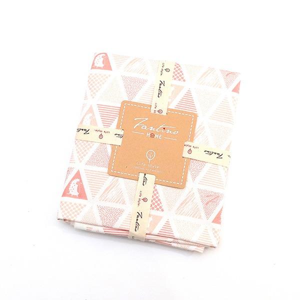 棉麻布料(三角密室)-石英粉  布,台灣設計,台灣製造,手工藝,布料,文創設計,刺蝟,手作,居家良品,棉麻,布料,服裝輔料,diy,手工製作,手工材料