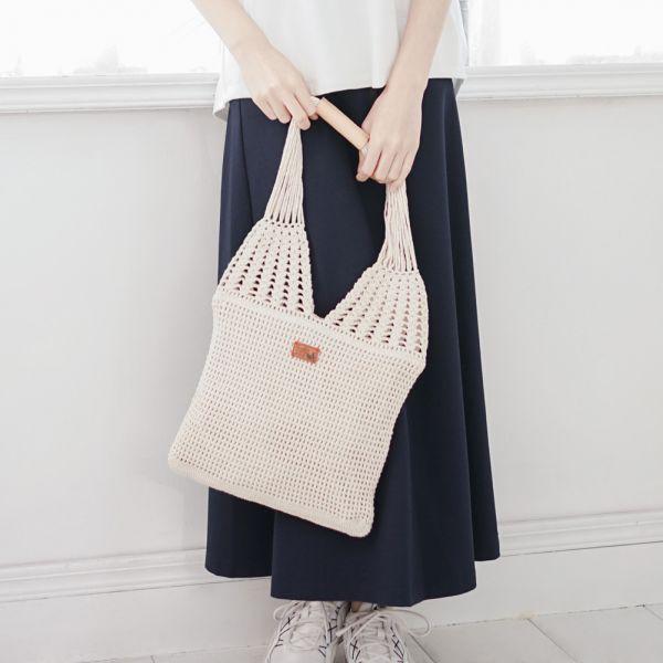 職人手作編織真皮手把A5提袋-共2色 手工布料,台灣設計,台灣製造,花布設計,質感袋包,文創設計,刺蝟,提袋,包包,居家良品,提袋,手提包,方包,肩背包,側背包