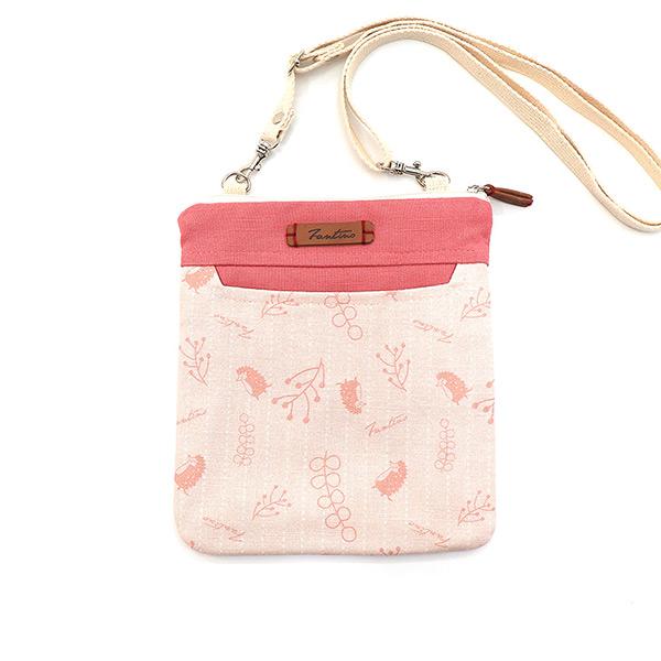 漂浮森林側背小包(草莓粉) 手工布料,台灣設計,台灣製造,花布設計,質感袋包,文創設計,刺蝟,提袋,包包,居家良品,提袋,手提包,方包,肩背包,側背包