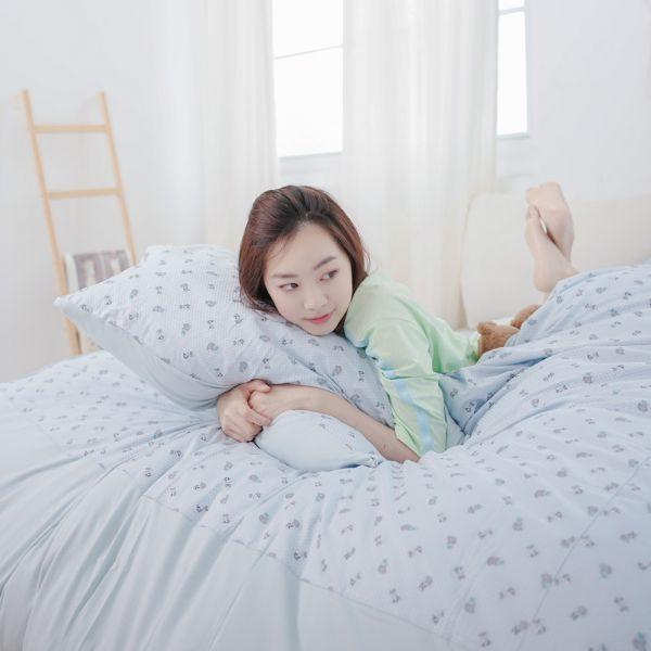 (雙人加大)UMORFIL膠原蛋白狐狸剪花寢具組-點點藍∣四件組 女襪,台灣設計,台灣製造,文青,短襪,文創設計,刺蝟,膠原蛋白,居家良品,寢具,枕套