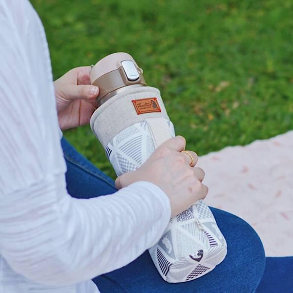 保溫防撞水壺袋/水瓶提袋(三角密室)-岩石灰 保溫袋,水壺袋,水壺提袋,保冰溫,手攜式,防撞,防摔,保溫瓶,玻璃瓶,水壺,學生,保溫杯套,隔熱保護,水杯套