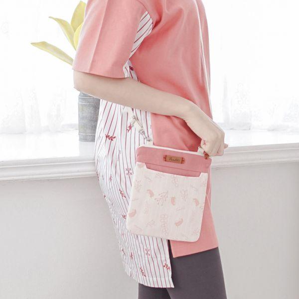 漂浮森林側背小包-共5色 手工布料,台灣設計,台灣製造,花布設計,質感袋包,文創設計,刺蝟,提袋,包包,居家良品,提袋,手提包,方包,肩背包,側背包