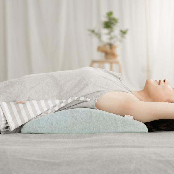 有機棉人體工學膝下枕-麻花綠 膝下枕, 可愛枕頭, 有機棉枕頭, 高回彈PU太空棉, 露營枕