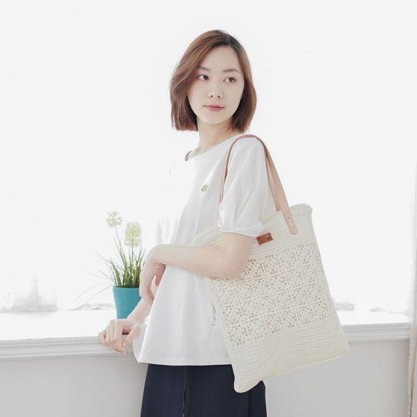 手工針織真皮手A4提袋-共2色 手工布料,台灣設計,台灣製造,花布設計,質感袋包,文創設計,刺蝟,提袋,包包,居家良品,提袋,手提包,方包,肩背包,側背包