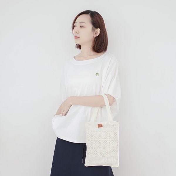 手工針織A5提袋-共2色 手工布料,台灣設計,台灣製造,花布設計,質感袋包,文創設計,刺蝟,提袋,包包,居家良品,提袋,手提包,方包,肩背包,側背包