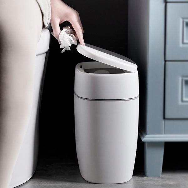 按壓式防臭垃圾桶 PlayByPlay,玩生活,居家,垃圾桶,極簡純白,按壓開啟,卡扣緩衝,防水防臭,垃圾袋,單掛,雙掛,窄身設計,縫隙收納