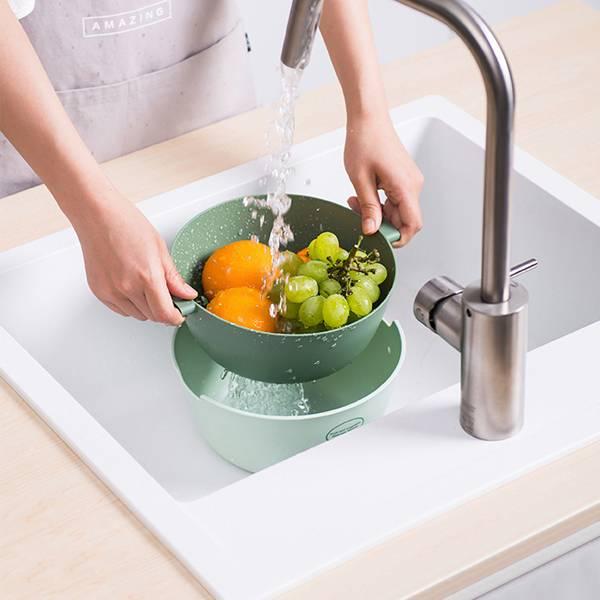 雙色蔬果瀝水籃 圓型 PlayByPlay,玩生活,居家,廚房,水果籃,瀝水籃,食品級PP,圓型,大小適中,雙層設計,十字型瀝水孔,清洗快速,提把,美觀,輕鬆收納