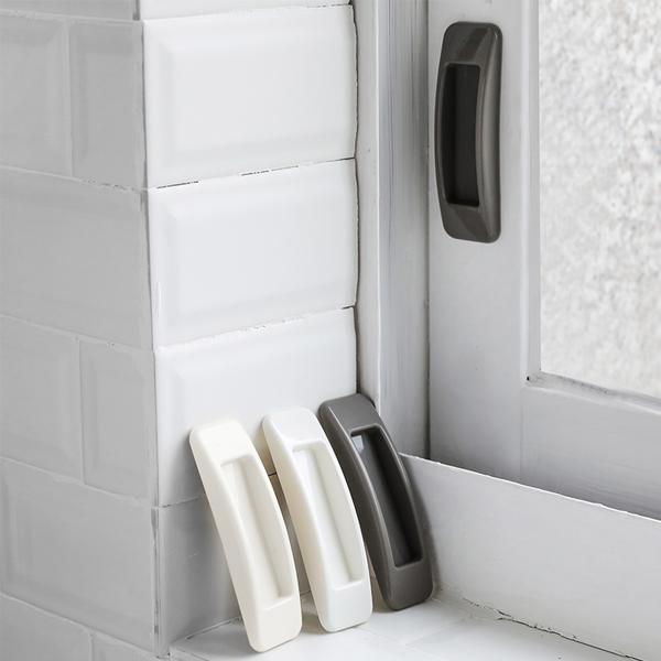 門窗輔助把手(2入) PlayByPlay,玩生活,窗戶,櫥櫃門,冰箱門,抽屜,背膠,一撕即黏,ABS材質,凹槽設計,省力,開啟快速,避免手指夾傷