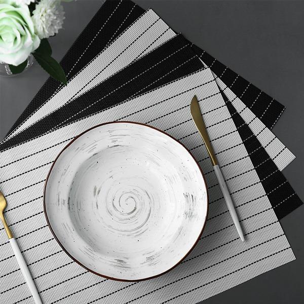 黑白線條極簡餐墊 PlayByPlay,玩生活,餐廳,餐桌,餐墊,防滑工藝,編織,穩固,不掉色,不發黴,耐溫,簡約,俐落,低調,奢華