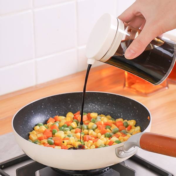 一指控量調味壺 PlayByPlay,玩生活,居家,廚房,烹飪,調味料,油,醬油,醋,定量,健康,不外漏,乾淨,衛生,透明